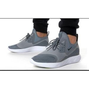 Nike Women's Lunarcharge Essential Size 7 Gray